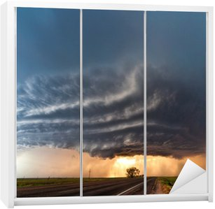 Dolap Çıkartması Great Plains bölgesindeki şiddetli fırtına