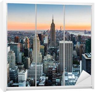 Dolap Çıkartması Gün batımında New York Skyline