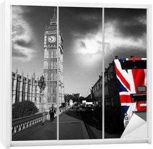 Dolap Çıkartması Londra, İngiltere'de şehir içi otobüs Big Ben