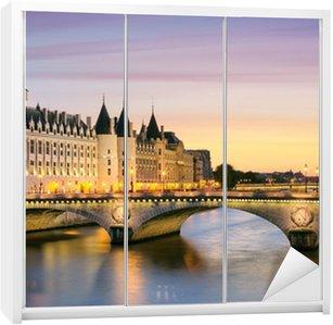 Dolap Çıkartması Paris, Conciergerie