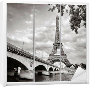 Dolap Çıkartması Seine nehri kare biçiminde Eyfel Kulesi görünümü