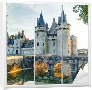 Dolap Çıkartması Sully-sur-Loire, Fransa şato