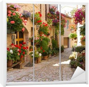 Dolap Çıkartması Vicolo con fiori, Spello