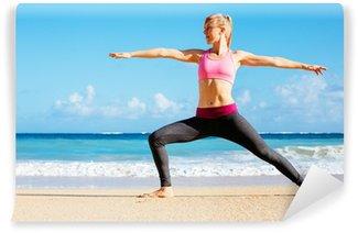 Vinil Duvar Resmi Atletik Fitness Kadın Plajı üzerinde çalışan