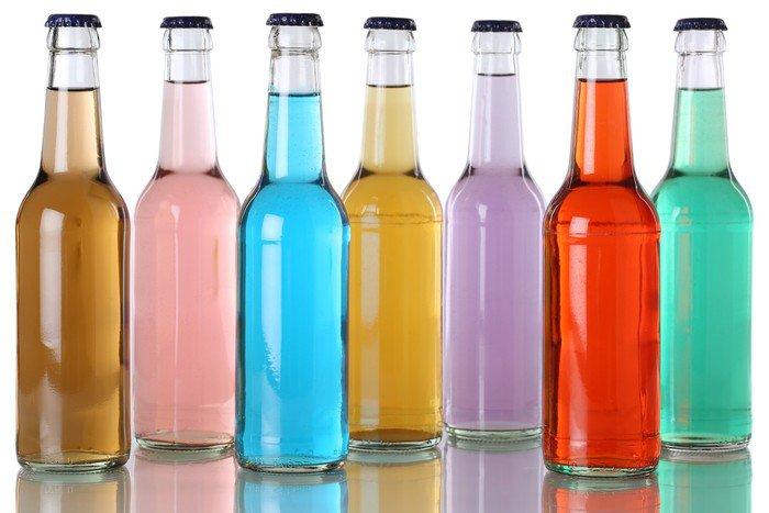 Bunte Getränke Flaschen içinde Cola mit Vinil Duvar Resmi • Pixers ... | {Getränke 23}