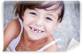 Vinil Duvar Resmi Güzel küçük kız smilling
