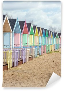 Vinil Duvar Resmi Parlak güneşli bir günde geleneksel İngiliz plaj kulübe