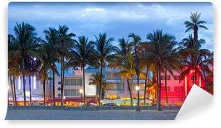 Vinyl Fotobehang Hotels in Florida en restaurants bij zonsondergang Miami Beach,