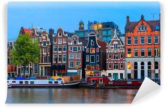 Vinyl Fotobehang Nacht uitzicht op de stad van de Amsterdamse gracht met Nederlandse huizen