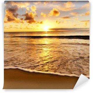 Vinyl Fotobehang Prachtige zonsondergang op het strand