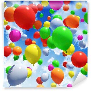 Vinyl Fotobehang Veelkleurige Balloon's vrijkomen in de lucht