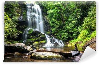 Vinyl Fotobehang Waterval tussen het groen van het bos