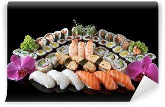 Fotomural Estándar Conjunto de sushi sobre el fondo negro