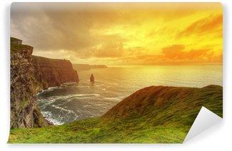 Fotomural Lavable Acantilados de Moher en la idílica puesta de sol, Co. Clare, Irlanda