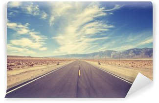 Fotomural Lavable Carretera del país del estilo del vintage en los EEUU, concepto de la aventura del viaje.