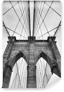 Fotomural Lavable Puente de Brooklyn New York de cerca los detalles de arquitectura en blanco y negro intemporal