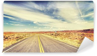 Fotomural Lavable Retro vintage old film style endless country highway, USA.