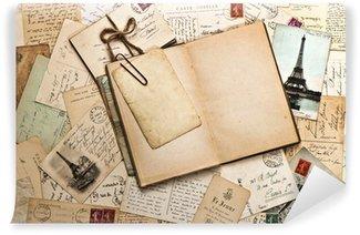Fotomural Estándar Papeles viejos, tarjetas postales y libros franceses diario abierto