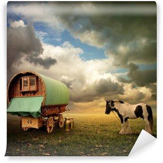Vinyl-Fototapete An Old Gypsy Caravan, Trailer, Wagon mit einem Pferd