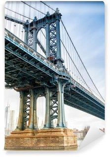 Vinyl-Fototapete Ansicht der Manhattan-Brücke auf einem bewölkten Frühlingstag - New York Cit