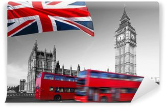 Vinyl-Fototapete Big Ben mit Stadtbussen und Flagge von England, London