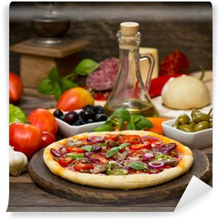 Vinyl Fototapete Pizza mit Schinken, Champignons und Käse
