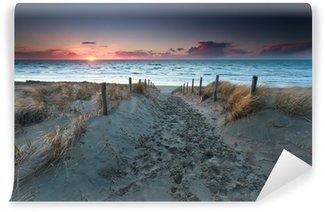Strand nordsee sonnenuntergang  Fototapete Sandweg zur Nordsee bei Sonnenuntergang • Pixers® - Wir ...