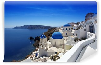 Vinyl-Fototapete Santorini mit traditionellen Kirchen in Oia, Griechenland