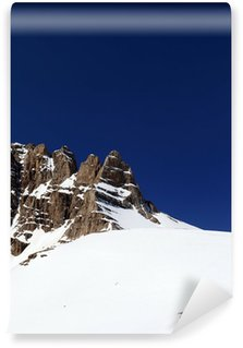 Vinyl-Fototapete Schneebedeckte Berge in schönen Frühlingstag