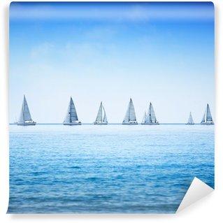 Vinyl-Fototapete Segelboot-Regatta-Yacht-Rennen am Meer oder Meerwasser