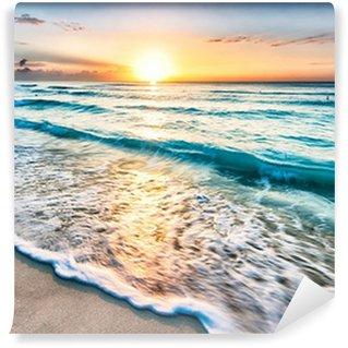 Vinyl Fototapete Sonnenaufgang über Strand in Cancun