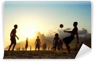 Vinyl-Fototapete Sunset Silhouetten spielen Altinho Futebol Strand Fußball Brasilien