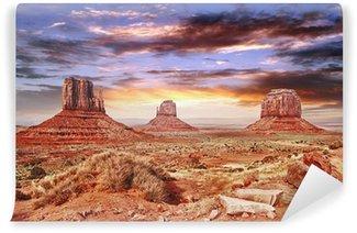 Fototapet av Vinyl Den Monument Valley med vacker himmel.