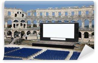 Fototapet av Vinyl Open Air Cinema i arenan i Pula, Kroatien