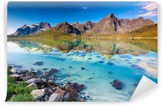 Fototapet av Vinyl Pittoreska landskap Norge landsbygden