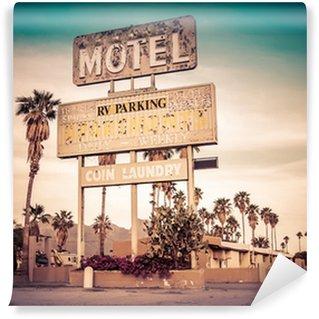 Fototapet av Vinyl Roadside motel sign - skämda ikoniska Sydvästra USA