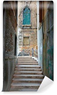 Fototapet av Vinyl Smal gata i Venedig