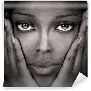Fototapet av Vinyl Vacker svart kvinna