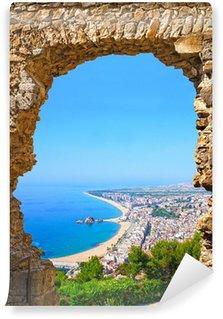 Fototapet av Vinyl Vy över spansk strand semesterort Blanes. Costa Brava, Spanien