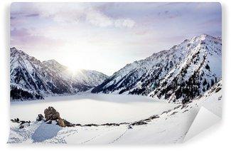 Fototapet av Vinyl Winter Mountain Lake