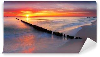 Vinylová Fototapeta Baltské moře na krásné svítání v Polsku pláže.