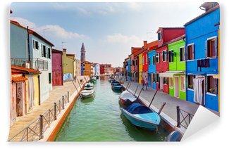 Vinylová Fototapeta Barevné domy a kanál na ostrov Burano, v blízkosti Benátek, Itálie.