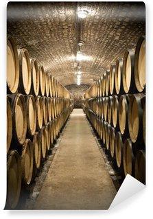 Fototapeta Vinylowa Beczki w piwnicy winiarskiej