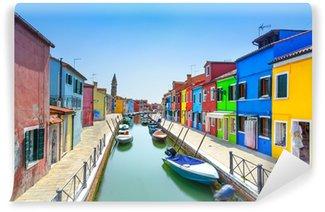 Vinylová Fototapeta Benátky mezník, ostrov Burano kanál, domy a lodě, Itálie