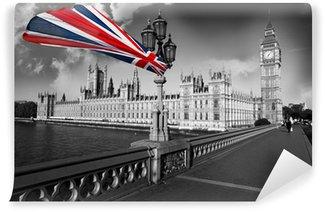 Vinylová Fototapeta Big Ben s vlajkou Anglie, Londýn, Velká Británie