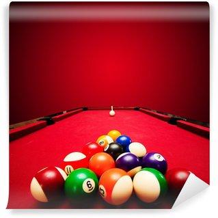Vinylová Fototapeta Billards bazén hra. Barevné koule v trojúhelníku, zaměřená na bílou kouli
