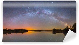 Vinylová Fototapeta Bright Mléčná dráha nad jezerem v noci (panoramatické fotografie)