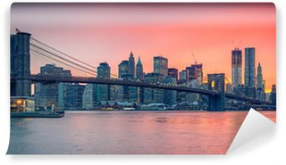 Vinylová Fototapeta Brooklyn bridge a Manhattan za soumraku