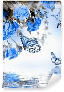 Fototapeta Vinylowa Bukiet z róż i motyli delikatnych, kwiatów tle