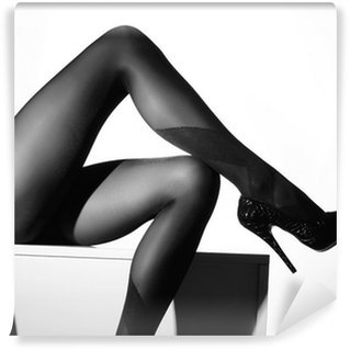 Vinylová Fototapeta Černobílá fotografie krásné nohy v punčochách